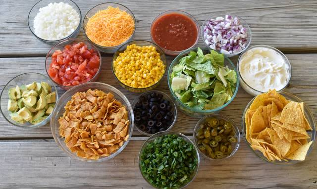 Chili-bar-toppings